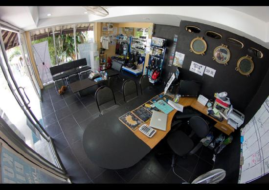Koh Tao Divers: Our office