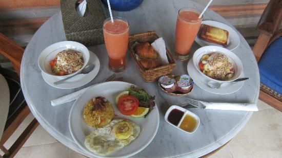 Kebun Indah : Our room came with breakfast. The jaffle is nice!