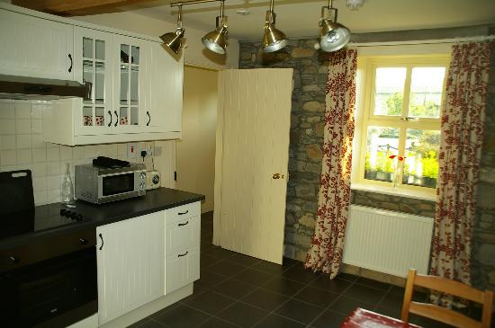 Darley Cottage: Kitchen
