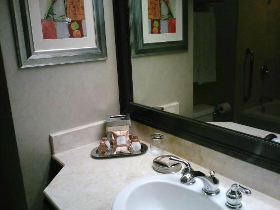 Treasure Island   TI Hotel U0026 Casino: Bathroom With Large Soaking Tub