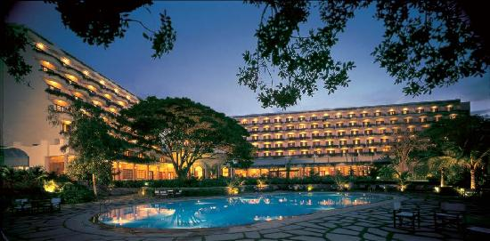 The Oberoi, Bangalore: The hotel inside facade by night