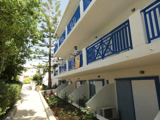 Apollon Hotel Apartments: Balkone