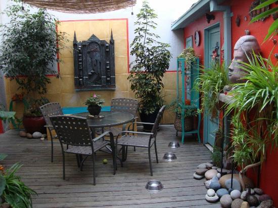 Casa Moro: Downstairs sitting area