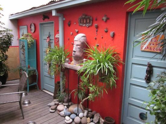 Casa Moro: Courtyard area