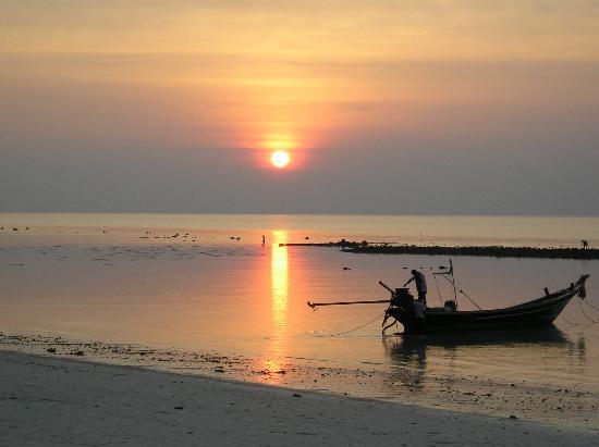 Ko Phangan, Thailand: Puesta de Sol en Hat Yao