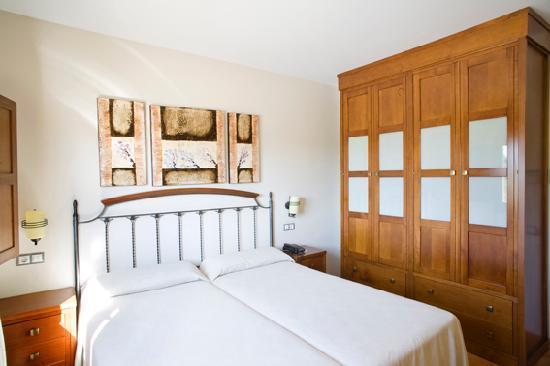 Apartamentos Rurales Antojanes: Habitación.