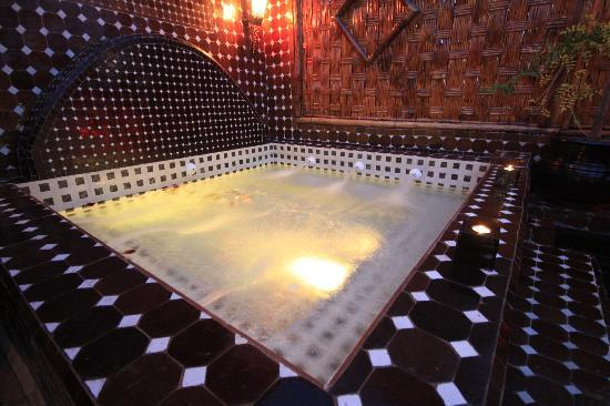 Dar Najat's Kitchen : DAR NAJAT 's KITCHEN WITH A JACUZZI ON THE ROOF TERRACE
