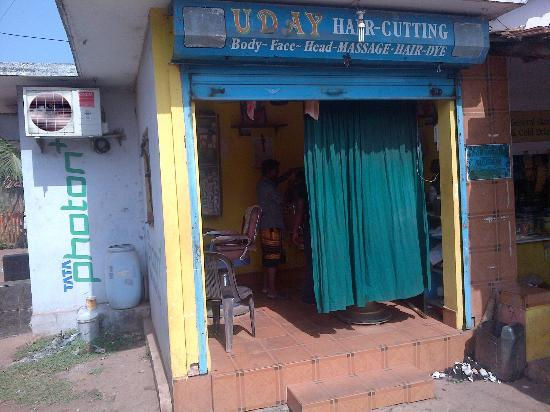 "Anjuna Beach Resort: ""UDAY Hair-cutting"""