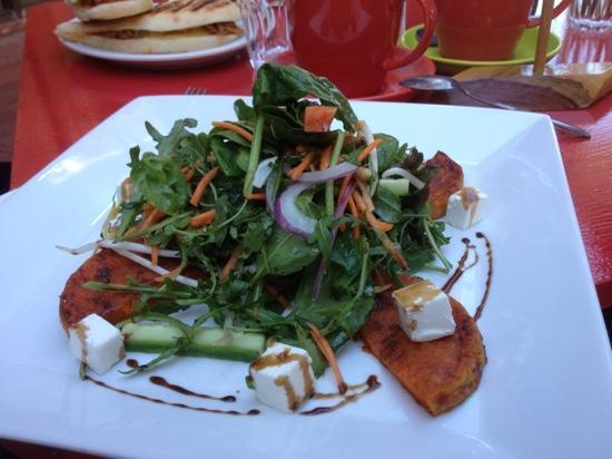 Katja's Kafe: pumpkin and feta salad