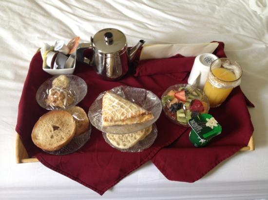 The Priory Hotel: breakfast in bed