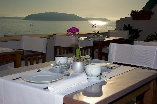Villa Lieta: BREAKFAST SET UP