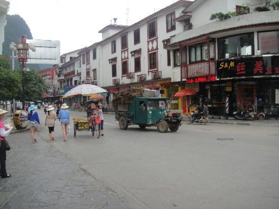 River View Inn: Downtown Yangshou