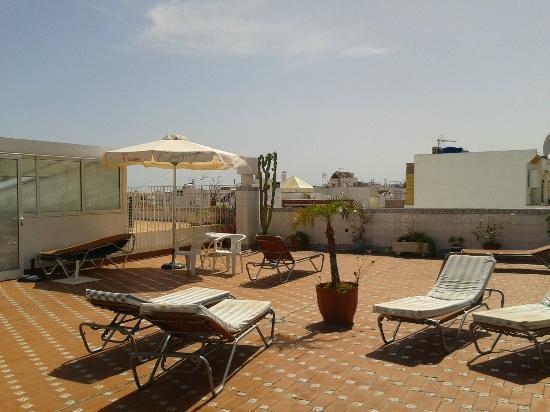 Apartamentos Pepe Mesa: Rooftop sun terrace