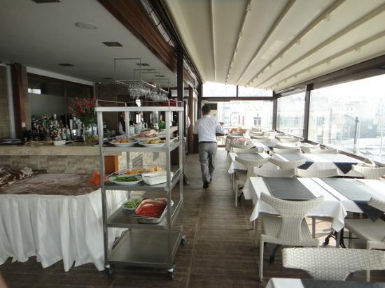 Istanbul Golden City Hotel: Dachrestaurant