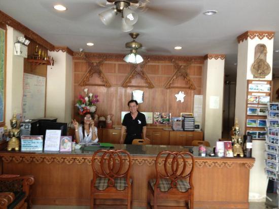 Aonang Goodwill: Mr. Soon (owner) and Pat