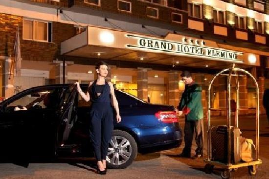 Grand Hotel Fleming: HOTEL ENTRANCE