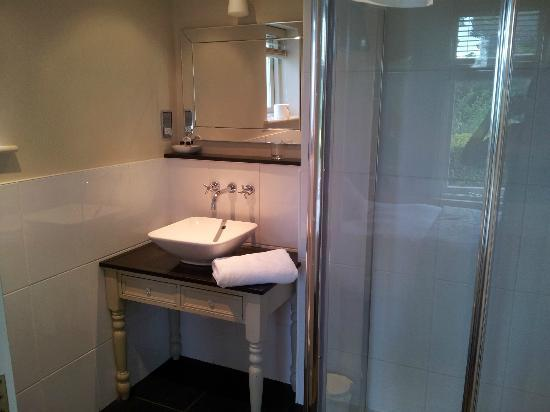Packfords Hotel: En-Suite Shower Room