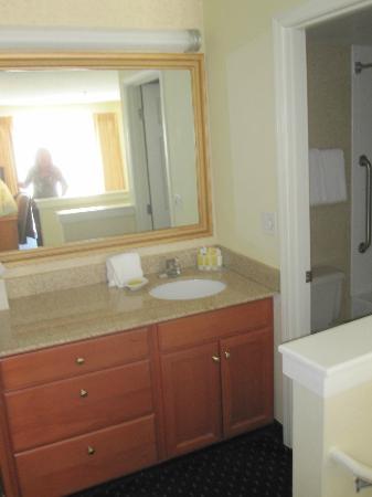 Residence Inn Seattle North/Lynnwood Everett: Upstairs bathroom