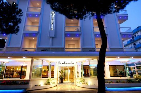 Hotel Antonella & Mael: La tua casa al mare!