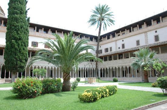 Basilica de Sant Francesc: Claustro Sant Francesc