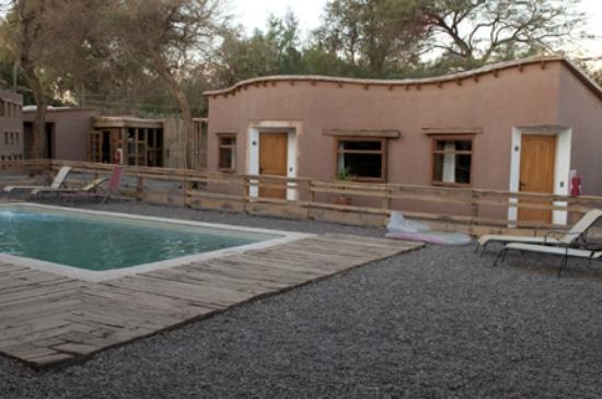 Hotel La Cochera: poolside rooms