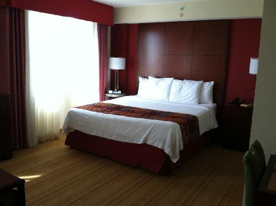 Residence Inn Long Beach Downtown: King Studio Suite
