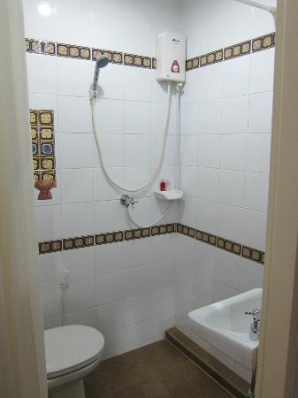 Be My Guest Bed and Breakfast : Ensuite private bathroom