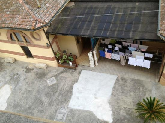 Instituto Suore Di Sant' Elizabetta: The view from my window. You could hear the birds sing.