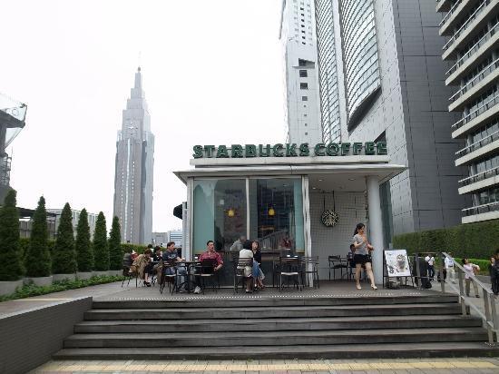 Shinjuku Southern Terrace: スタバもある