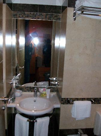 Hotel Galatea: salle de bain