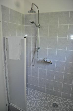 Hotel La Regaliere: Douche à l'italienne