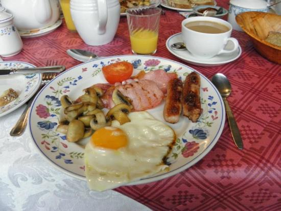 Fern Rock Bed & Breakfast: Full Irish Breakfast. Nicht immer, aber immer öfter!