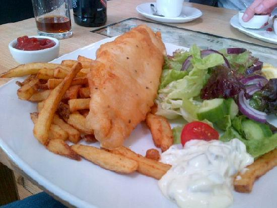 Hay's Dock Cafe Restaurant: Fish and Chips at Hay's Dock Cafe (this picture legitimately doesn't do it justice)