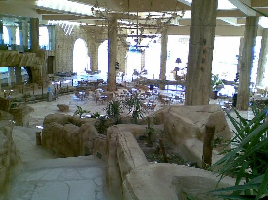 Al Nabila Grand Bay Makadi: italian restaurant in a jungle