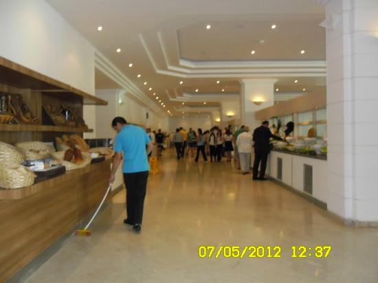 Mirage Park Resort: Speisesaal vor dem großen Ansturm