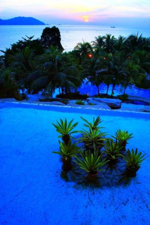 Swiss-Garden Beach Resort Damai Laut: بحيرة صناعية