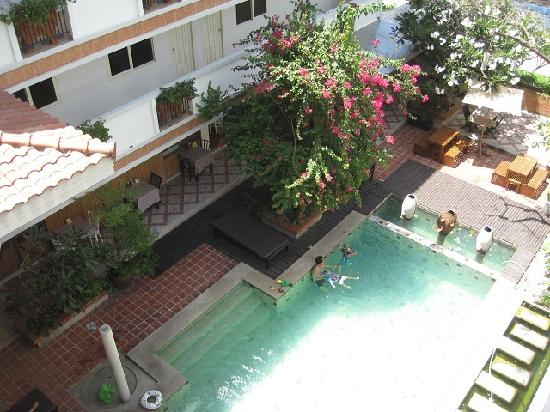 Nantra de Boutique: Breakfast place beside swimming pool,Nabtra de boutique hotel, Pattaya