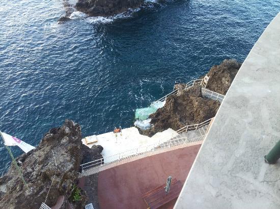 Pestana Palms Ocean Aparthotel: zona de acceso al agua.