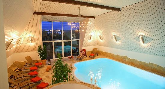 Vital & Wellnesshotel zum Kurfuersten: Panoramapool im Dachgeschoss