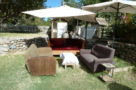 La Calma de Rita: furniture in the garden