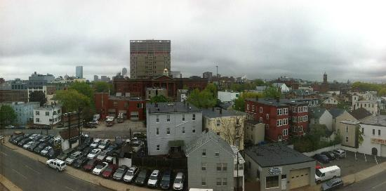 Hampton Inn Boston / Cambridge: View from Window of Room 705