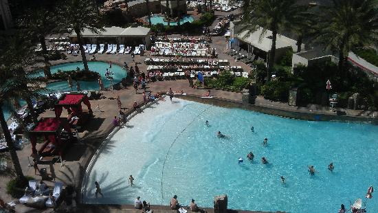 Park MGM Las Vegas: part of the pool area