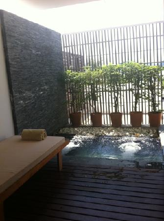 IndoChine Resort & Villas: the spa pool