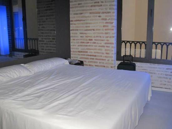 Letto 2 Piazze.Letto 2 Piazze E Mezzo Picture Of Cosy Rooms Embajador Valencia