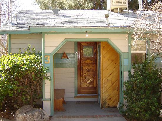 Sierra Gateway Cottages: The Riverbend Cottage