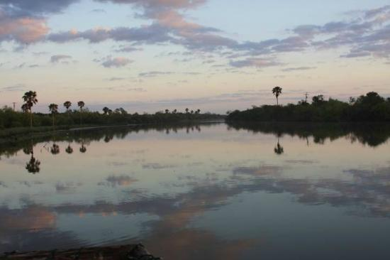 The Inn at Chachalaca Bend : Sunrise on the resaca