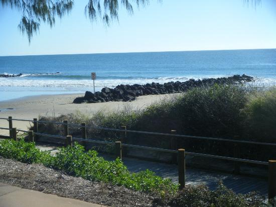 Bargara Blue Resort : down on the beach