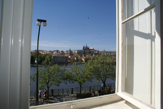 Bohemia Apartments Prague Old Town: vista dal soggiorno