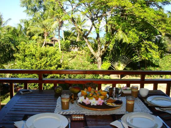 Villas du Voyageur: Breakfast with a view