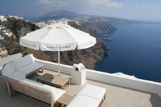 Santorini, Greece: View of Fira
